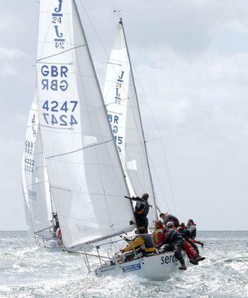 J/24 Sailing Fast!